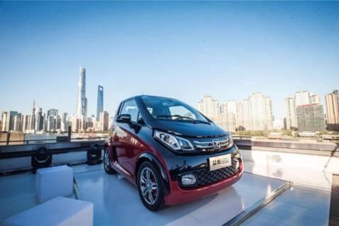 五天斩获四项荣誉,众泰E200横扫各大新能源汽车奖项
