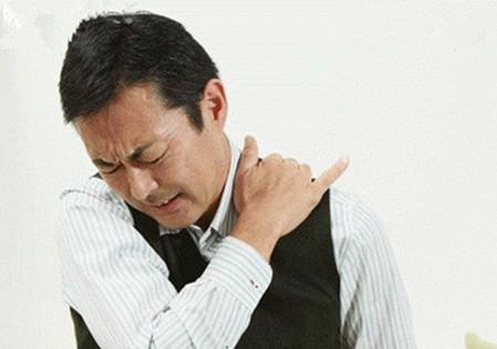 中老年人颈椎